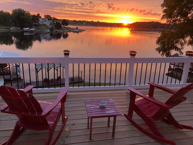 Beautiful Lakefront Hideaway at Sun Valley Lake