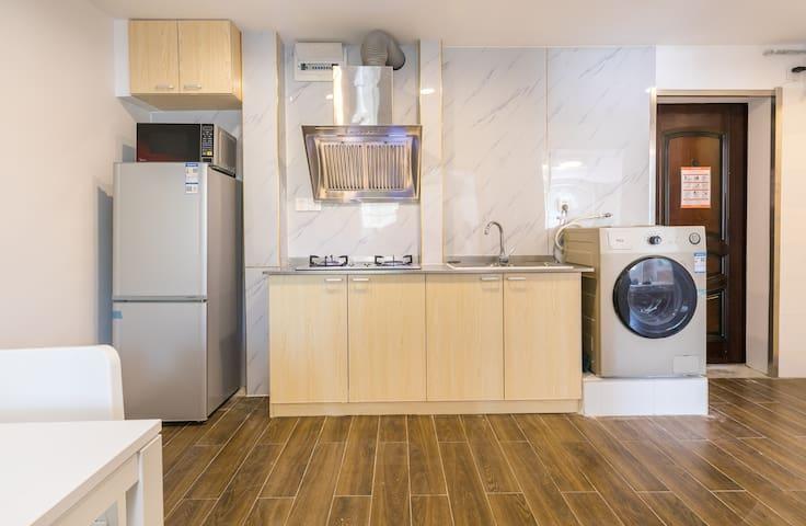 陆家嘴/地铁东昌路精选两房一厅公寓