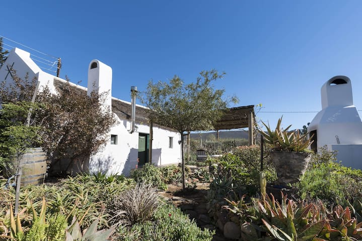 Romantic and Authentic Cottage in McGregor
