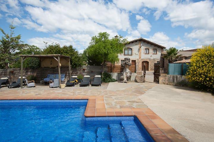 Rural house,4 bedrooms,4 bathrooms CASA MARCÚS