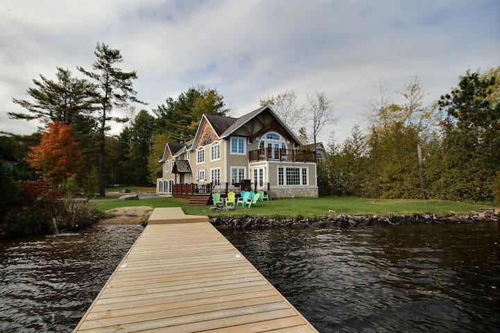 Fun and Spacious Cottage on Lake Muskoka!!