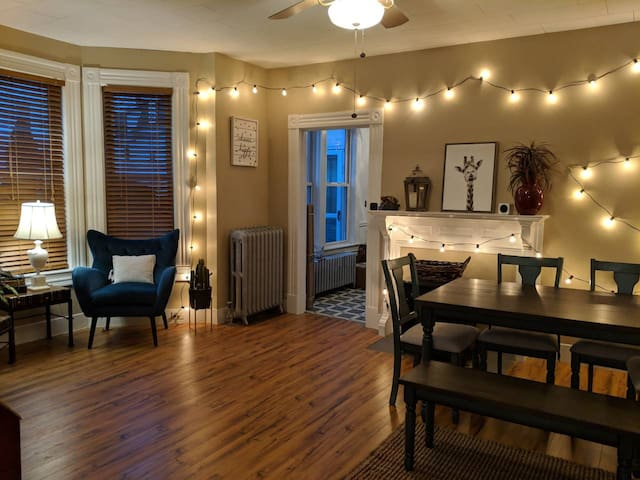Clean, Cozy, and Close to Downtown | MHT Oasis #1