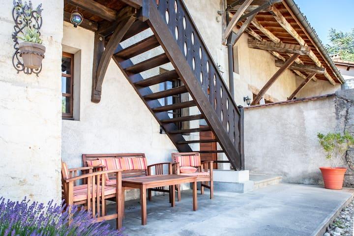 3 bedroom traditional home near CERN Thoiry Geneva