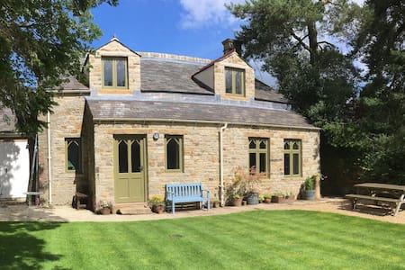 Garden Cottage in tranquil North Pennine valley