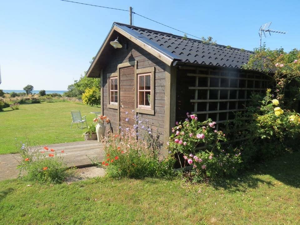 Convenient cottage with view of the Baltic Sea