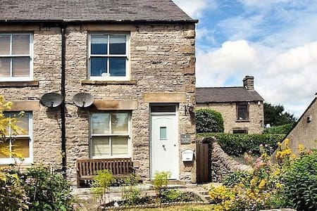Character cottage in Bradwell in the Peak District