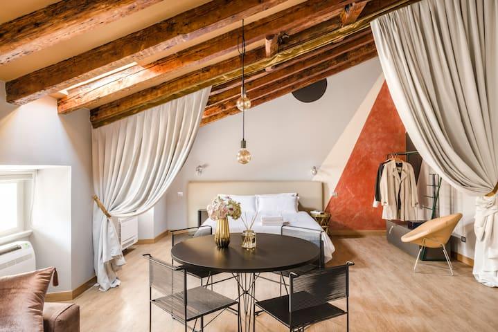 Urban Homy Trieste - Suite Saba 6