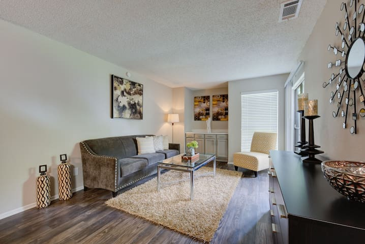 Rest easy and live life   1BR in San Antonio