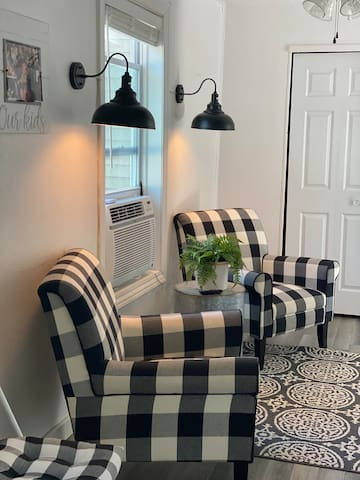 Charming Modern Farmhouse Style Guest Apartment