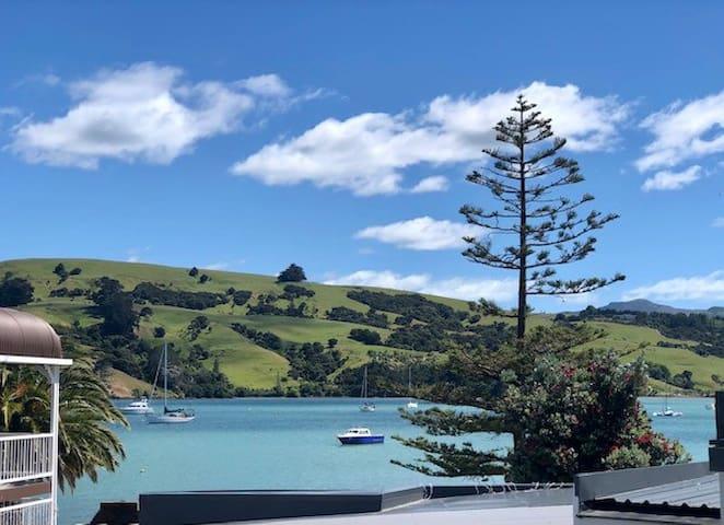 Akaroa apartment with sea views