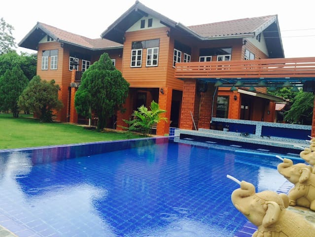 relaxing farm-stay with pool