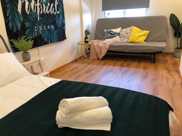BK Hostel @ City Centre Room I - Deluxe Sleep 2-4