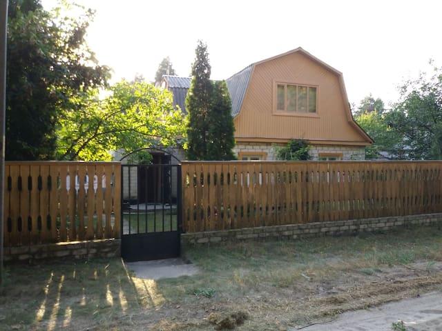 Yelyzavetivka的民宿
