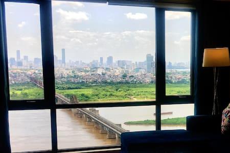 140m2: Green with Amazing view of Long Biên Bridge