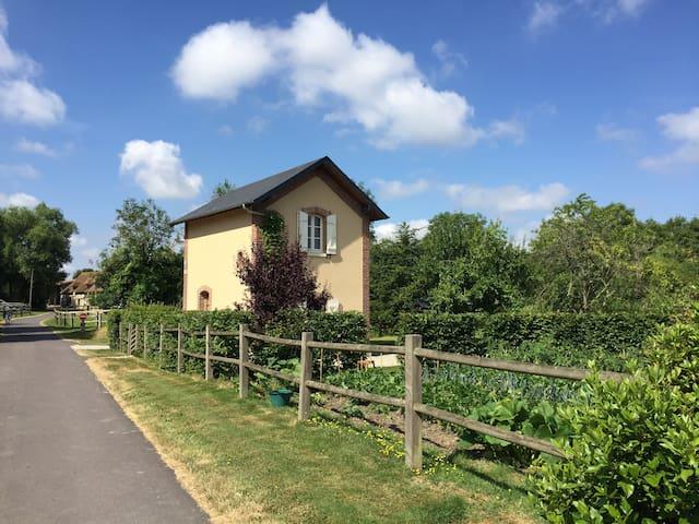 Mézidon Vallée d'Auge的民宿