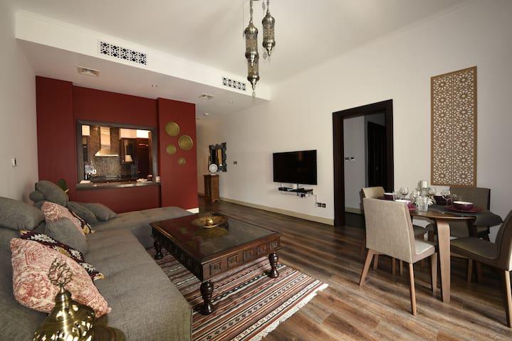Luxurious 1 Bedroom Apartment next to BURJ Khalifa
