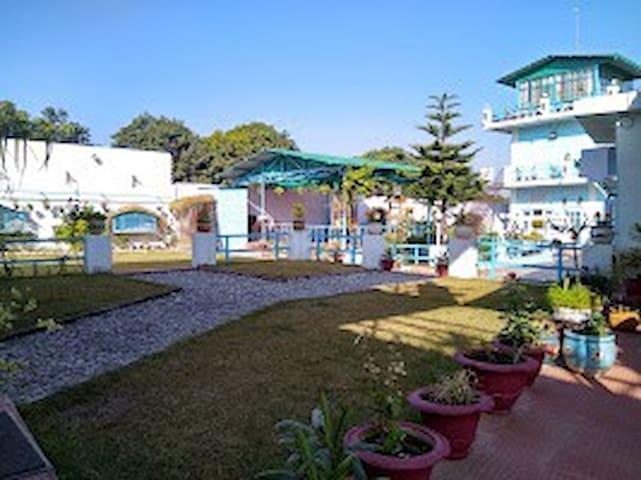 Dehradun 的民宿