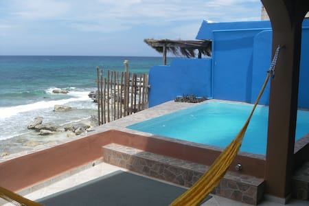 Ocean Front 2 Bdrm wPool GREAT for Friends&Family!