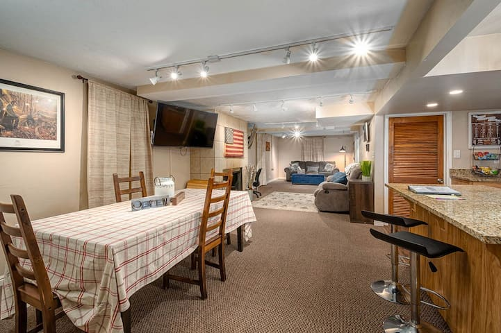Washington Terrace Hideout - 1 Bedroom