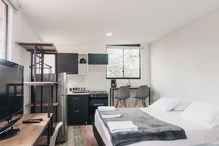 Great Private In-House Studio. Best Location!