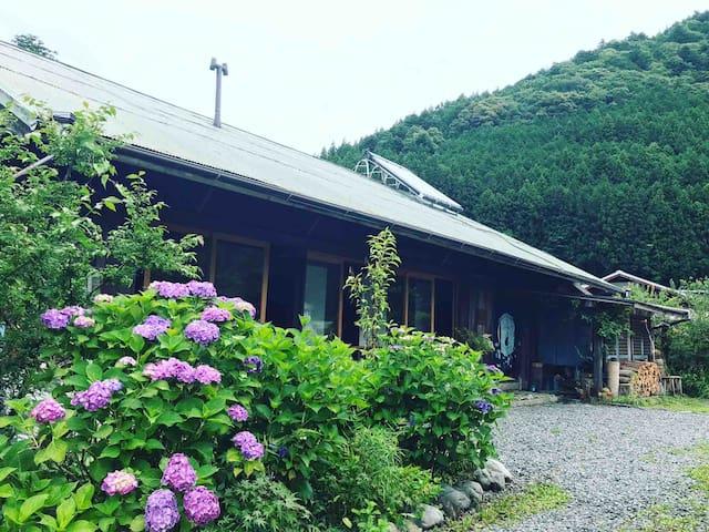 Kawanehon, Haibara-gun的民宿