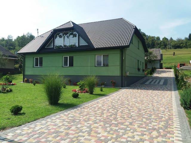 Huklyvyi的民宿