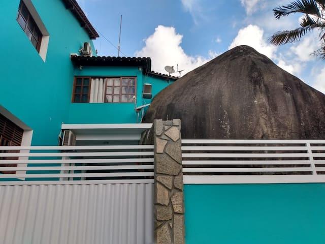 Charmosa casa da pedra, no coração de Bananeiras