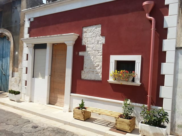San Michele Salentino的民宿