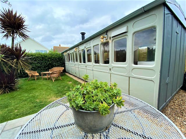 Bronte The Railway Carriage