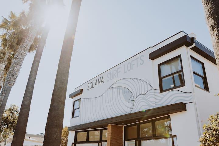 Solana Artistic, Renovated and Private Beach Loft