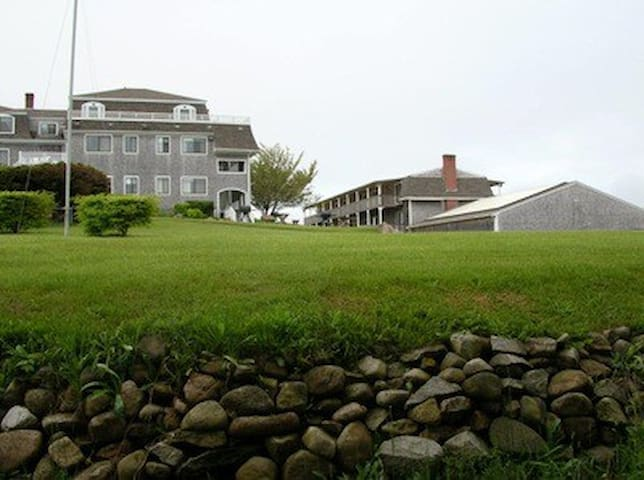 Block Island Neptune House Unit 003
