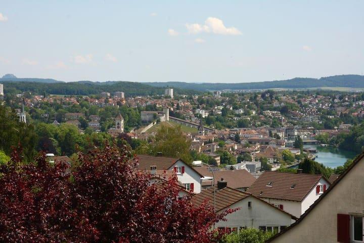 Neuhausen am Rheinfall的民宿