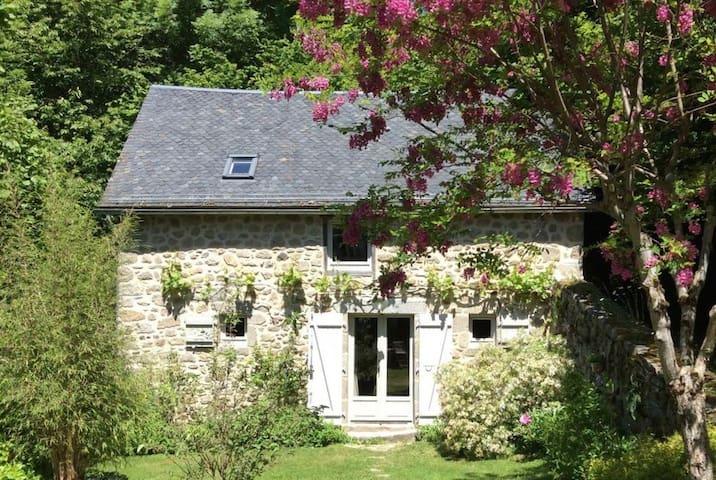 Bort-les-Orgues的民宿