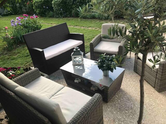 Chambre cosy sur jardin au calme avec petit dej