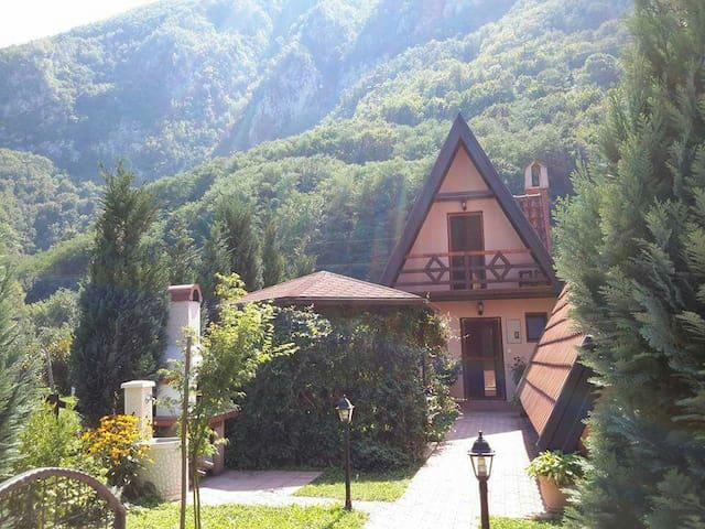 Perućac的民宿