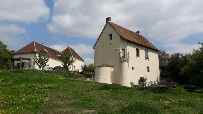 Cernoy-en-Berry的民宿