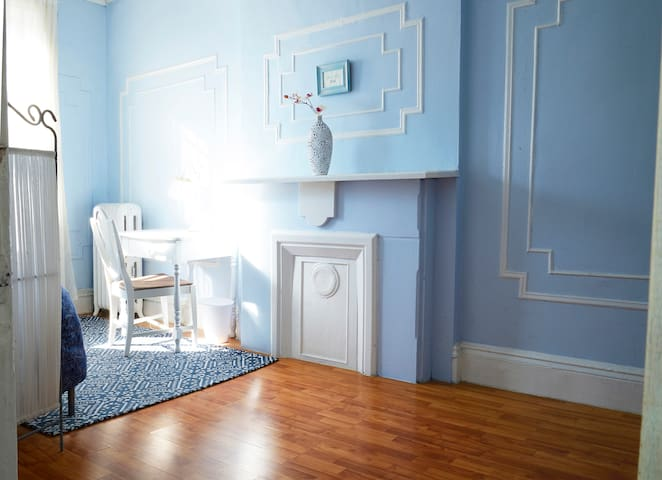 Charming, sunny room in artist's apartment