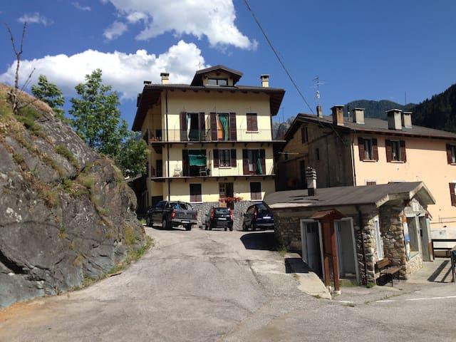 Acceglio, val Maira, rent apartments