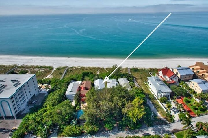 BEACH OPEN*private  beachfront home*POOL*SPA*PETS