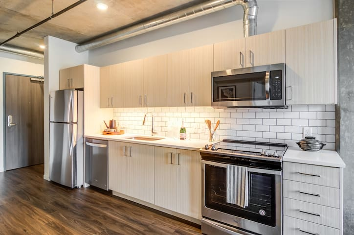 Stay in a place of your own | 1BR in Portland