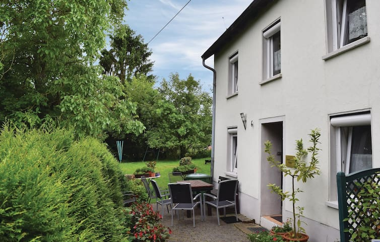 Holiday apartment with 3 bedrooms on 70m² in Trierweiler