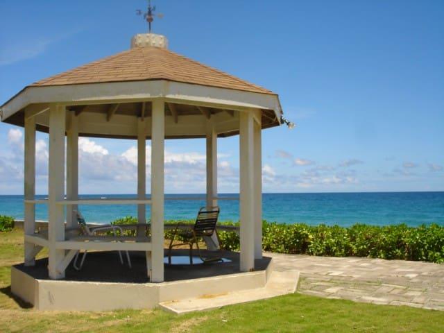 Frigate Bay的民宿
