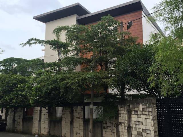 Medan Sunggal的民宿