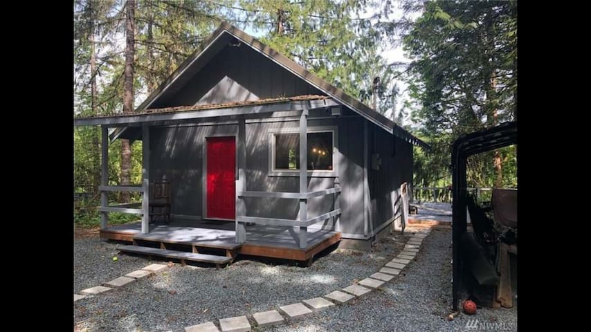 Tiny Home on Skagit River