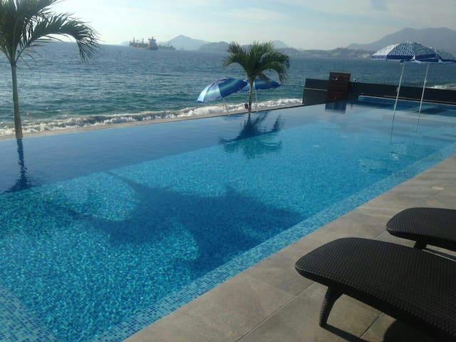 Departamento Frente al Mar en Manzanillo