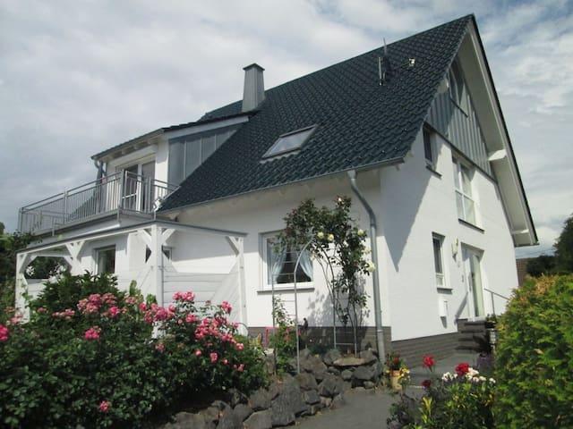 Dedenbach的民宿