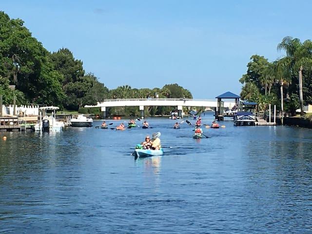 3 Sister Springs Waterfnt 2 Bdrm Condo W/ 2 Kayaks