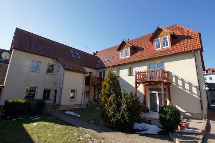 Bad Lauchstädt的民宿
