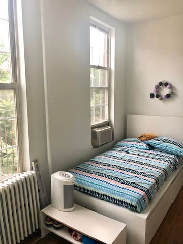 Bright room in the heart of Williamsburg