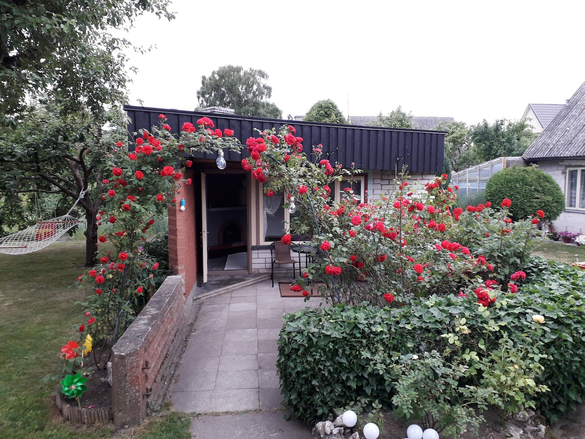 Authentic experience in a small cozy garden house